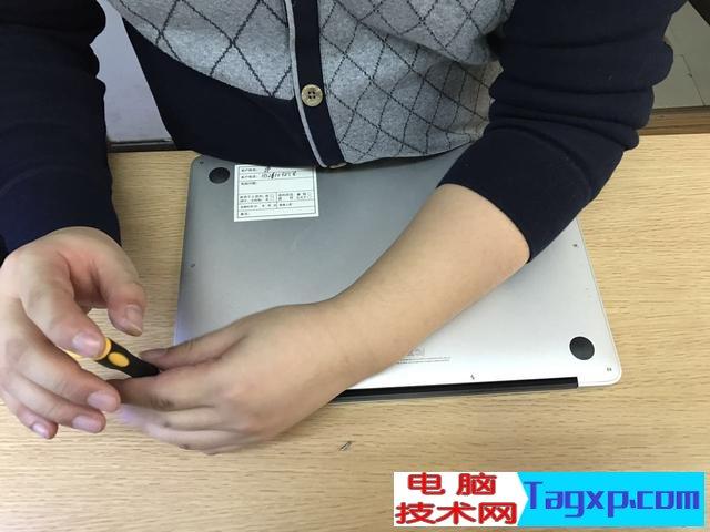 苹果笔记本风扇清灰流程图